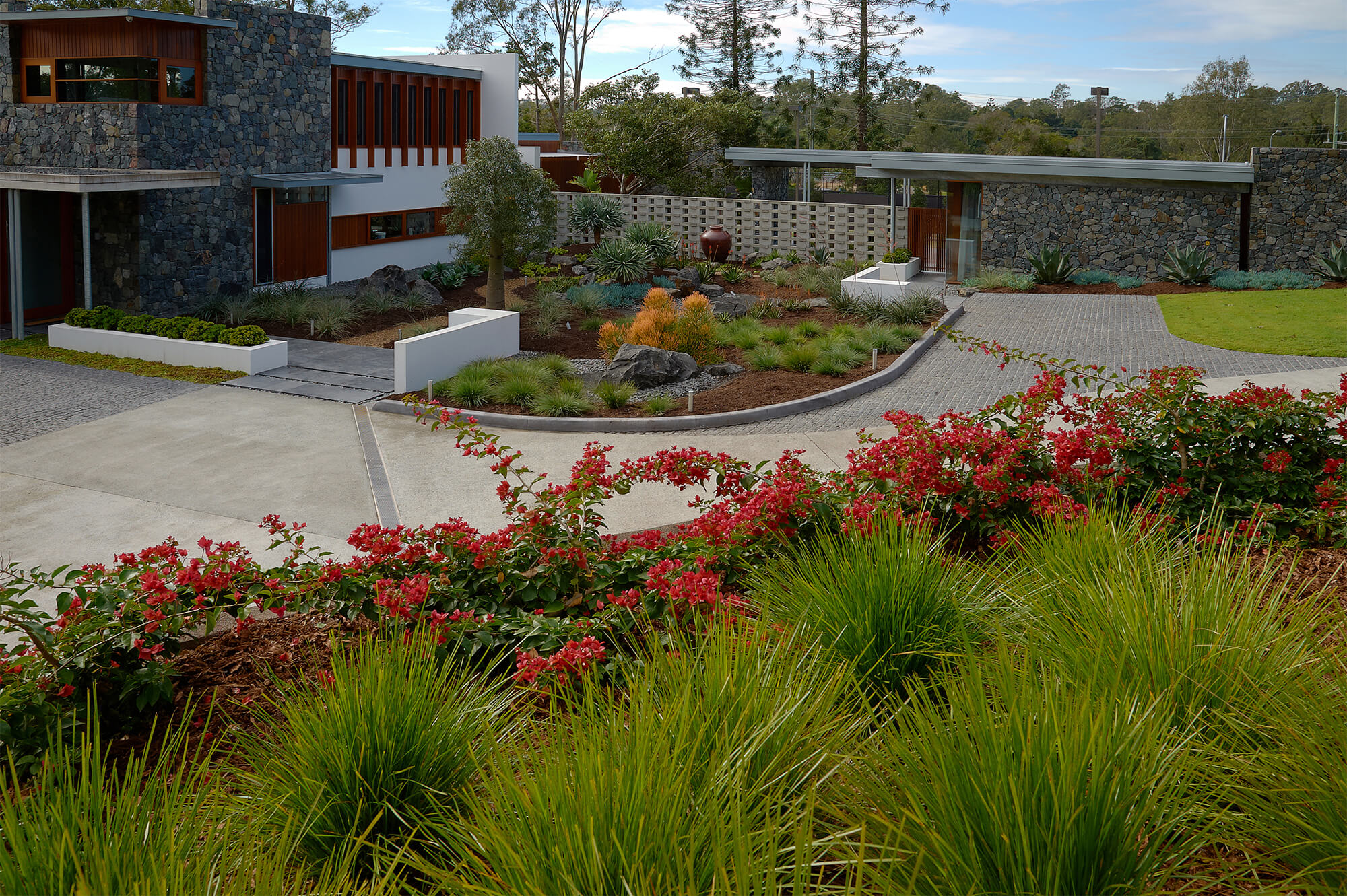 Brookfield Contemporary Landscaping Boss Gardenscapes